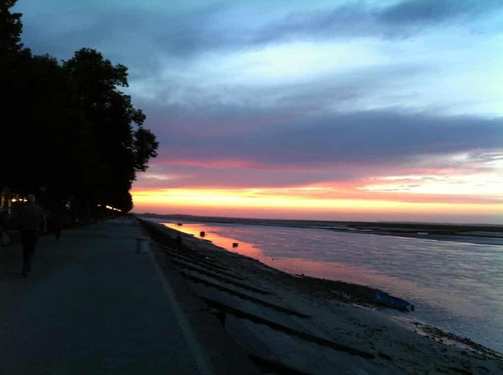 coucher-de-soleil-lesbeauxjours-bnb-4
